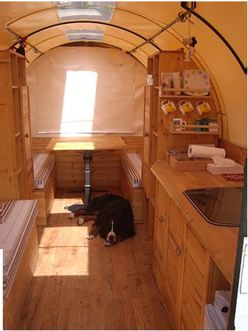 der planwagen nat rlich reisen mit pferd und wagen. Black Bedroom Furniture Sets. Home Design Ideas